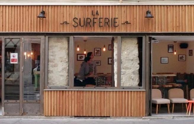 Incontournable à Paris, Le bar La Surferie fête ses 1 an