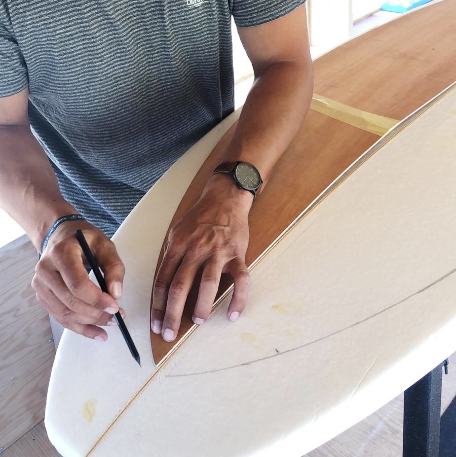 Damien Marly shaper et Fondateur de la marque chipiron surfboards - surf and the city
